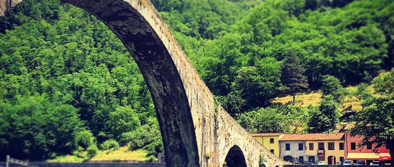 Velna tilts Itālija